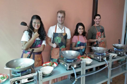 see sights of Traditional Thai Food Cooking Class