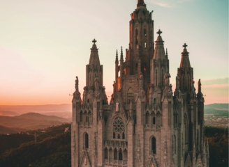 see sights of Barcelona
